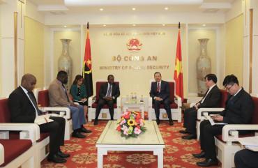Bộ trưởng Tô Lâm tiếp Đại sứ Cộng hòa Angola và Đại sứ Vương quốc A-rập Xê-út tại Việt Nam