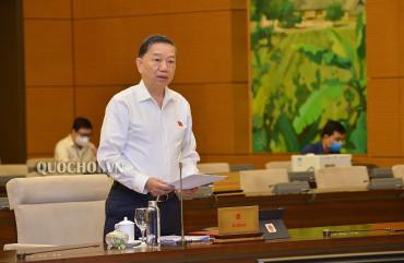 Bộ trưởng Tô Lâm trình bày Tờ trình dự án Luật Cư trú (sửa đổi) trước Quốc hội