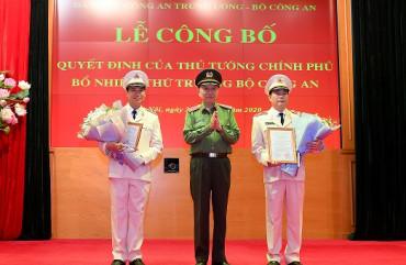 Trao Quyết định bổ nhiệm chức vụ Thứ trưởng Bộ Công an đối với Thiếu tướng Lê Quốc Hùng và Thiếu tướng Lê Tấn Tới