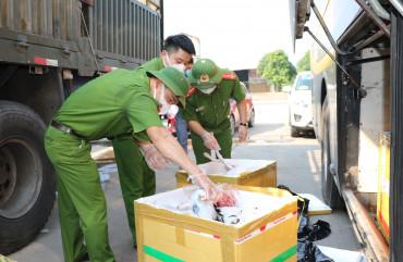 Bắt xe khách chở 800kg thực phẩm bẩn