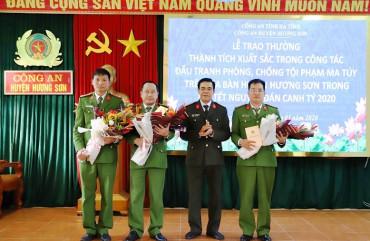 Tăng cường công tác giáo dục chính trị tư tưởng, góp phần vào thành công Đại hội đảng.