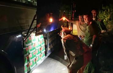 Phòng CSGT liên tục phát hiện, bắt giữ xe khách vận chuyển hàng lậu