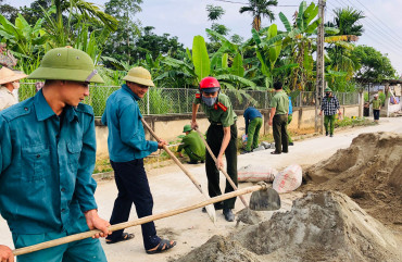 Công an huyện Can Lộc đồng hành cùng nhân dân xây dựng nông thôn mới