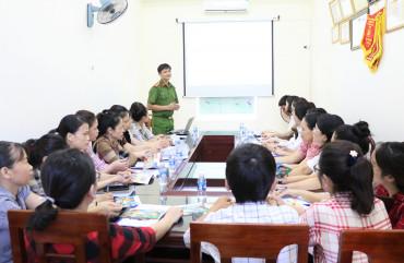 Tập huấn nghiệp vụ PCCC cho Trung tâm lưu trữ lịch sử tỉnh