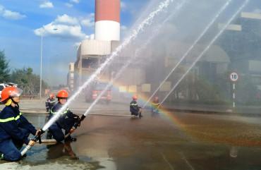 Huấn luyện, diễn tập PCCC&CNCH cho Công ty điện lực dầu khí Hà Tĩnh.
