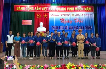 """Hơn 300 đoàn viên thanh niên Can Lộc vui ngày hội """"Thanh niên với văn hóa giao thông"""""""