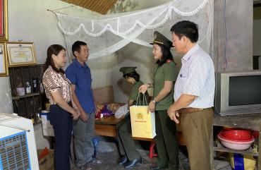 Hội Phụ nữ Công an tỉnh tri ân Mẹ Việt Nam Anh hùng