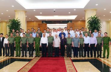 Bộ Chính trị cho ý kiến về dự thảo báo cáo các văn kiện và công tác nhân sự trình Đại hội đại biểu Đảng bộ Công an Trung ương lần thứ VII