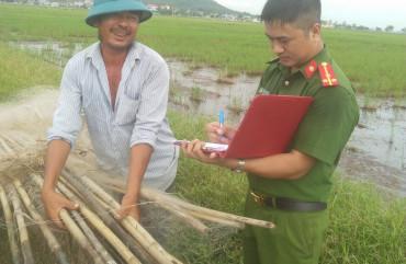 Công an Can Lộc thu giữ hàng nghìn bộ dụng cụ săn bắt chim trời