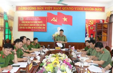 Đại tá Lê Khắc Thuyết, Giám đốc Công an tỉnh làm việc tại Công an Thị xã Hồng Lĩnh