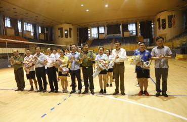 Giao lưu bóng chuyền kỷ niệm ngày truyền thống các ban Đảng