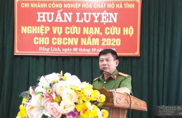 Huấn luyện nghiệp vụ cứu nạn, cứu hộ tại chi nhánh công nghiệp hóa chất mỏ Hà Tĩnh