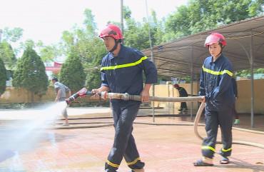 Cảnh sát PCCC giúp các trường học khắc phục hậu quả sau lũ lụt