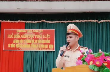 Công an Hương Sơn: Hưởng ứng ngày pháp luật Việt Nam 9/11 và ngày tưởng niệm các nạn nhân bị tử vong vì TNGT 15/11