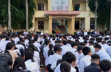 Hơn 300 cán bộ giáo viên học sinh trường trung cấp Kỷ nghệ Hà Tĩnh được tuyên truyền, hướng dẫn nghiệp vụ PCCC, cứu nạn, cứu hộ