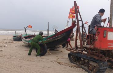 Công an Nghi Xuân, Thạch Hà chủ động ứng phó với cơn bão số 13