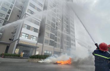 Diễn tập phương án chữa cháy và cứu nạn, cứu hộ tại Chung cư Vinhomes New Center Hà Tĩnh
