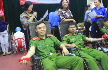 Đoàn viên, Thanh niên Công an Thạch Hà sôi nổi Ngày hội Hiến máu nhân đạo