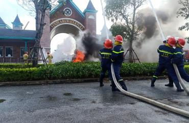 Diễn tập phương án chữa cháy và Cứu nạn cứu hộ tại Khách sạn Vinpearl Discovery Lộc Hà