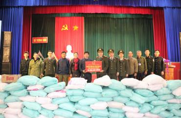 Công an tỉnh đồng hành cùng xã Tượng Sơn khắc phục hậu quả thiên tai