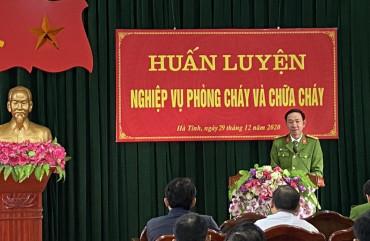 Huấn luyện nghiệp vụ PCCC cho lực lượng PCCC cơ sở các cơ quan hành chính sự nghiệp trên địa bàn thành phố Hà Tĩnh