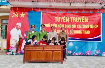 Công an xã Kỳ Văn tổ chức tuyên truyền và ký cam kết phòng chống Pháo năm 2021