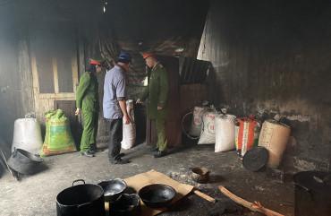 Công an TP Hà Tĩnh bắt quả tang cơ sở chế biến 280kg mỡ động vật bẩn