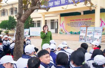 Tuyên truyền phòng chống tội phạm và tệ nạn xã hội cho các em học sinh trường THPT Lê Quý Đôn