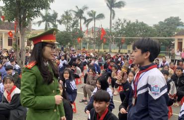 Công an Can Lộc: Tuyên truyền pháp luật cho hơn 10.000 học sinh, Đoàn viên thanh niên
