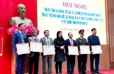 Phòng An ninh Chính trị nội bộ đón nhận Bằng khen của  Bộ Văn hóa, Thể thao và Du lịch năm 2020