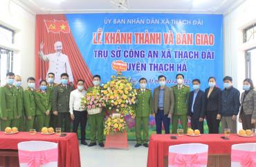 Bàn giao trụ sở làm việc mới cho Công an chính quy ở xã Thạch Đài, huyện Thạch Hà
