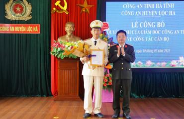 Trao quyết định Phó trưởng  Công an huyện Lộc Hà