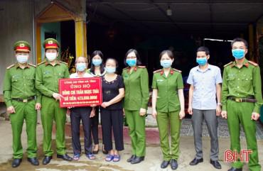 Công an Hà Tĩnh ủng hộ hơn 470 triệu đồng cho trung úy mắc bệnh hiểm nghèo