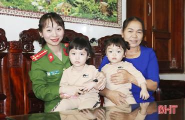 """Những nữ chiến sỹ công an Hà Tĩnh gác lại niềm riêng, dốc sức cùng """"chiến dịch"""" căn cước công dân"""
