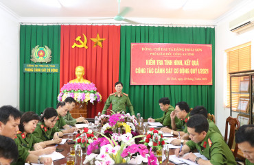 Đại tá Đặng Hoài Sơn - Phó Giám đốc làm việc tại Phòng Cảnh sát Cơ động