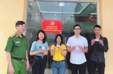 200 công dân đầu tiên của huyện Hương Khê nhận thẻ căn cước công dân