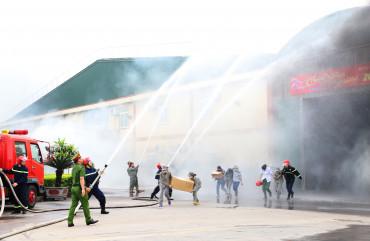 Diễn tập chữa cháy và cứu nạn cứu hộ tại Công ty Sao Mai