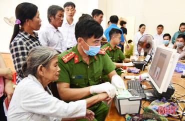 Công an Lộc Hà linh hoạt, sáng tạo trong cấp căn cước công dân cho trường hợp đặc thù