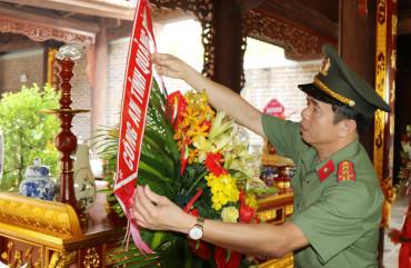 Công an Quảng Bình hành hương về các địa chỉ đỏ tại Hà Tĩnh