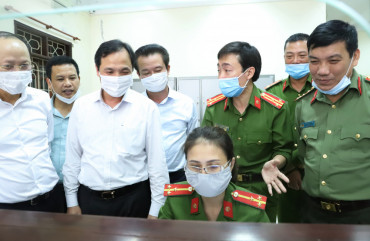 """""""Bí quyết"""" đơn vị dẫn đầu Hà Tĩnh trong cấp căn cước công dân"""