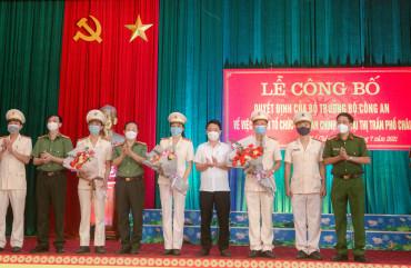 Công bố quyết định tổ chức Công an chính quy tại thị trấn Phố Châu