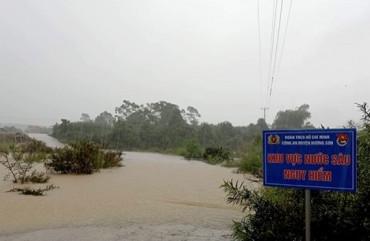 Mưa lớn kéo dài khiến các xã miền núi Hà Tĩnh ngập lụt, sạt lở nghiêm trọng