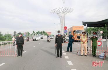 Cảnh sát cơ động Công an Hà Tĩnh xung kích trên tuyến đầu chống dịch