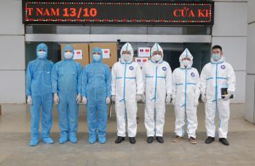Bộ Công an Việt Nam trao tặng các trang thiết bị y tế phòng, chống dịch Covid-19 cho  Bộ Công an Lào