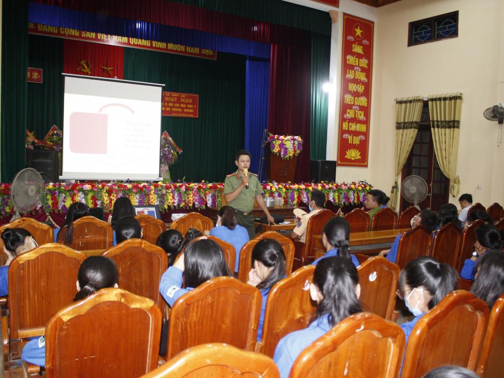 Can Lộc: Tuyên truyền phổ biến giáo dục pháp luật cho đoàn viên thanh niên